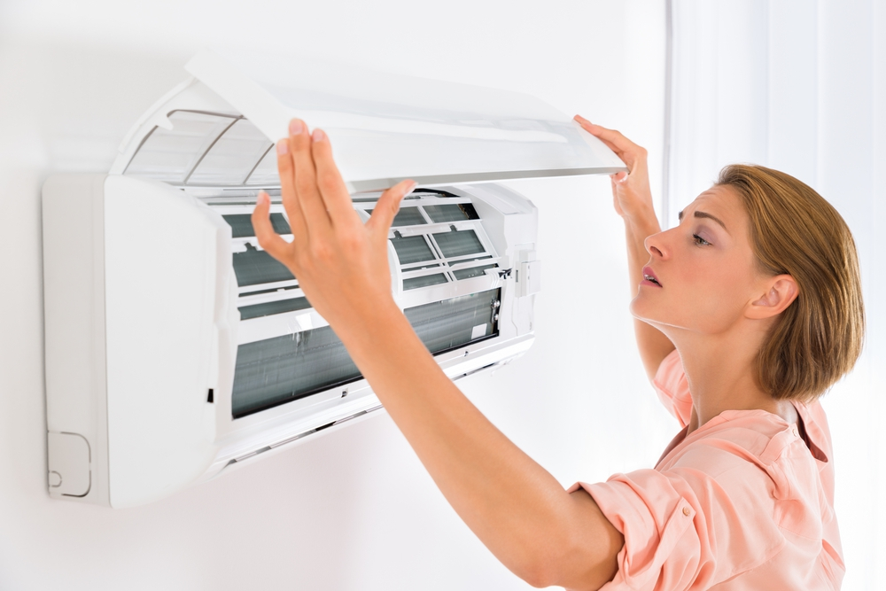 4 Early Signs That You May Need to Replace Your AC